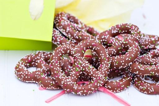 chocolate covered pretzel baby shower favor
