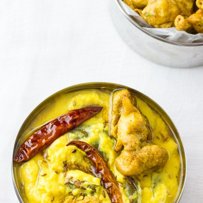 Dahi Ki Kadhi | Yoghurt Curry with Cauliflower Fritters