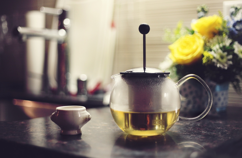 green tea caffeine brew