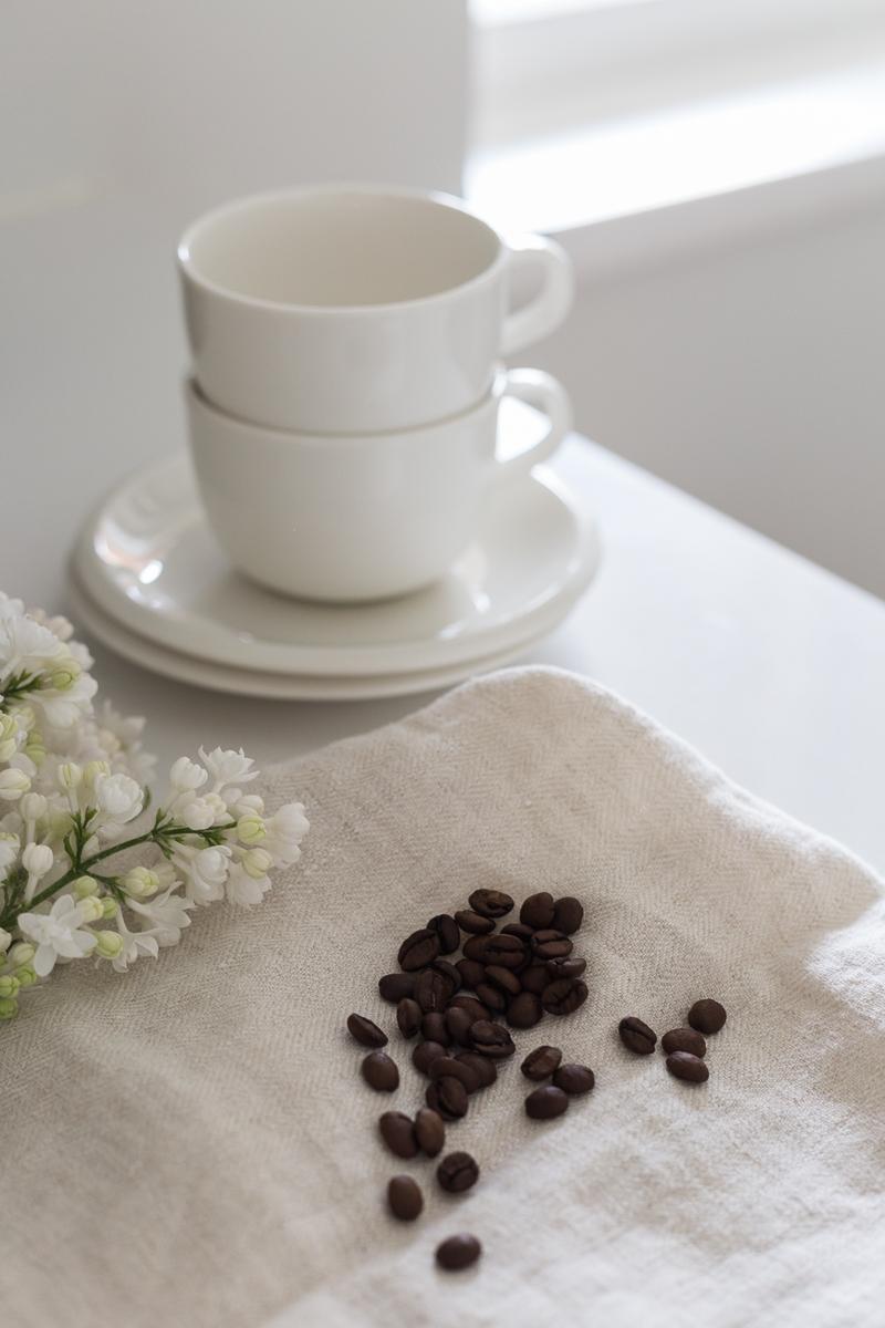Slurp kahvielämys, alekoodi, kahvia postilaatikkoon, Hario Buono V60, Wilfa Svart kahvimylly kokemuksia, Espro P7 pressopannu