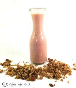 Strawberry-Pineapple-Granola-Smooth