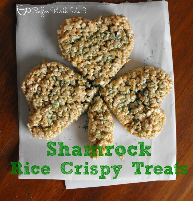 Shamrock Rice Crispy Treats- A fun treat to celebrate St. Patrick's Day! #stpatricksday #shamrock