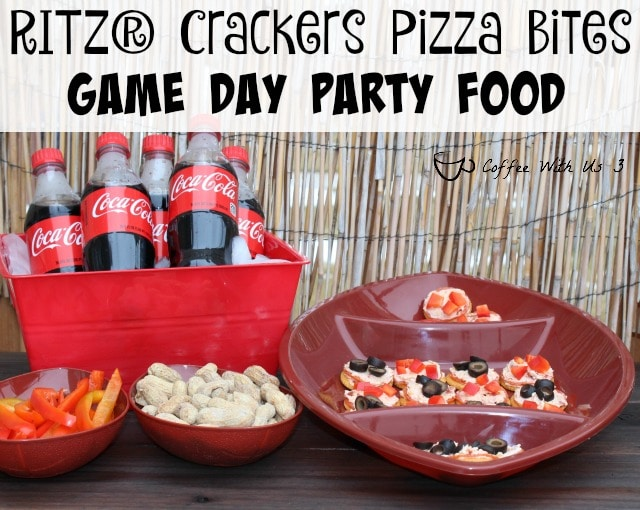 Ritz Crackers Pizza Bites - Tons of pizza flavor in a bite-sized snack. Perfect for the game day! #BowlTimeSnacks #ad
