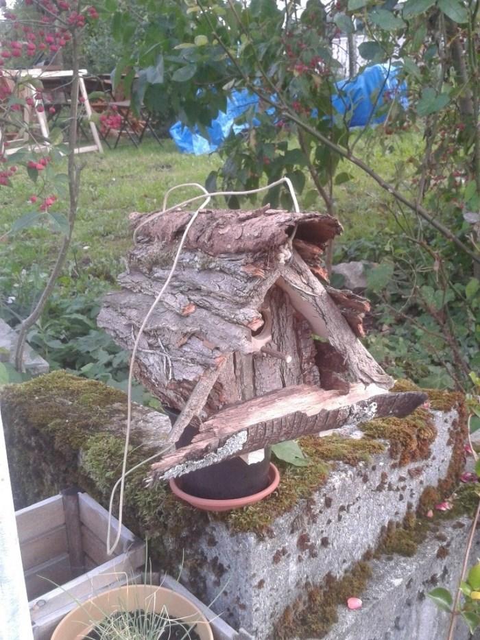 nichoir a oiseaux en bois