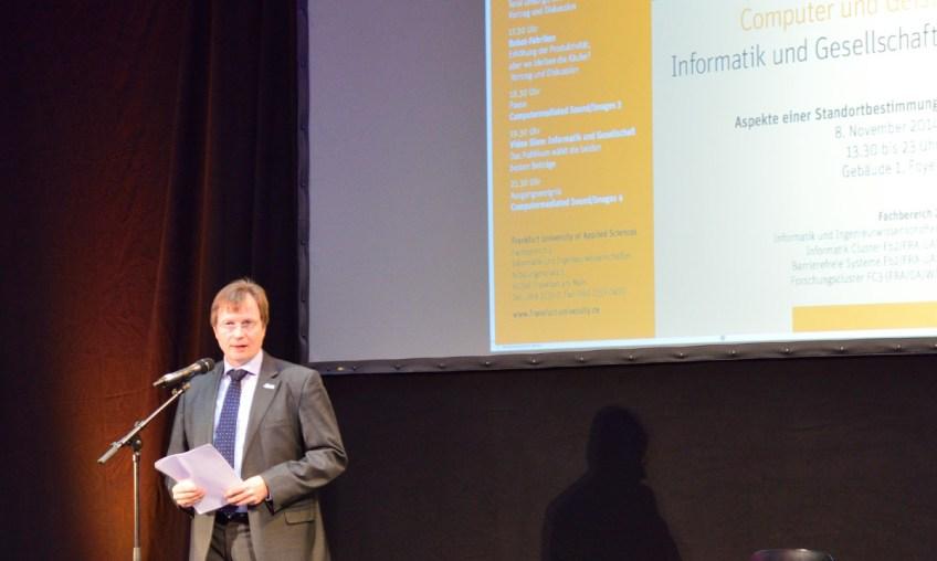 Grussworte mit einer Vision: Vizepräsident für Infrastruktur, Weiterbildung und Forschung, Prof.Dr. Ulrich Schrader