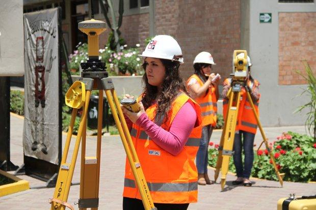 Cada vez hay más mujeres en carrera de Construcción