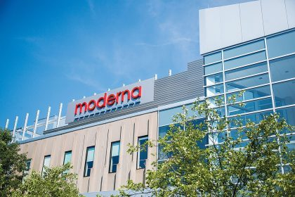Moderna (MRNA) Stock Down 0.3% on Disputes over COVID-19 ...