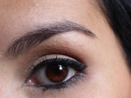 Maquiagem pronta - olhos abertos