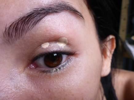 Tutorial Naked 2: Olho preto com esfumado vinho - Stay Don't Stray - Benefit (aplicado)
