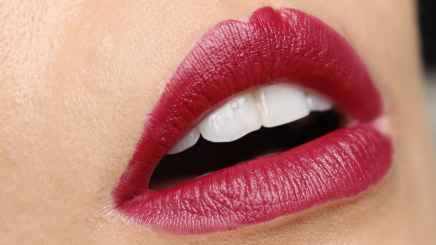 Batons matte Evelyn Regly Marsala lábios