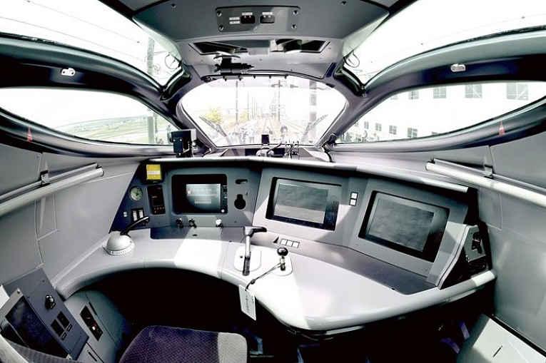 Cabine do trem bala Alfa-x