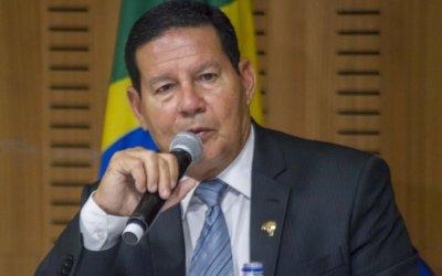 Mourão sinaliza reforma ministerial e indica que Ernesto Araújo pode ser demitido