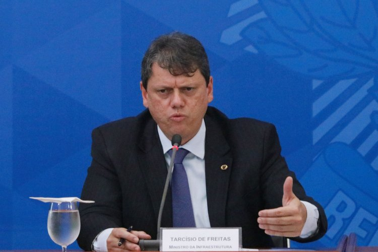 Tarcísio Gomes de Freitas nega que nova lei de trânsito beneficie infratores