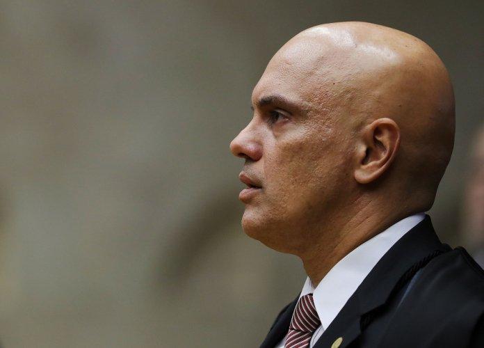 Deputado envia a Alexandre de Moraes lista de sites 'difusores de fake news'