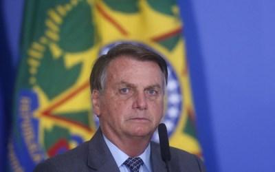 Após provocação de Haddad, Bolsonaro responde petista com foto do avião presidencial