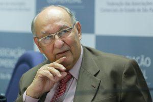 'Constituição garante liberdade total', afirma Ives Gandra sobre requerimento de Calheiros
