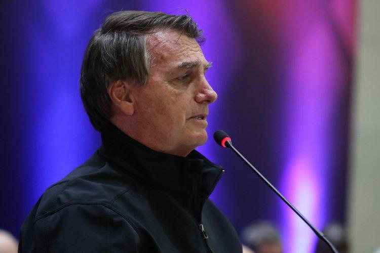 Bolsonaro minimiza debandada na Economia e fala em mercado 'nervosinho' com gastos