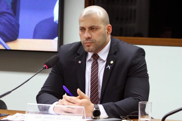 STF forma maioria para manter prisão de Daniel Silveira