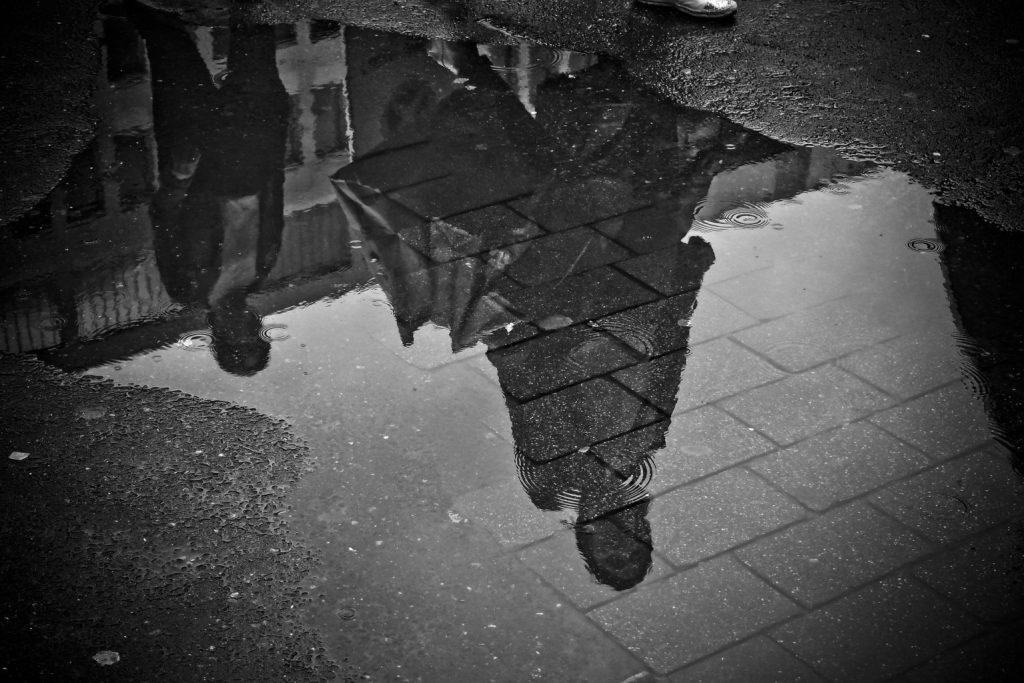 przyjaciele lustro deszczu