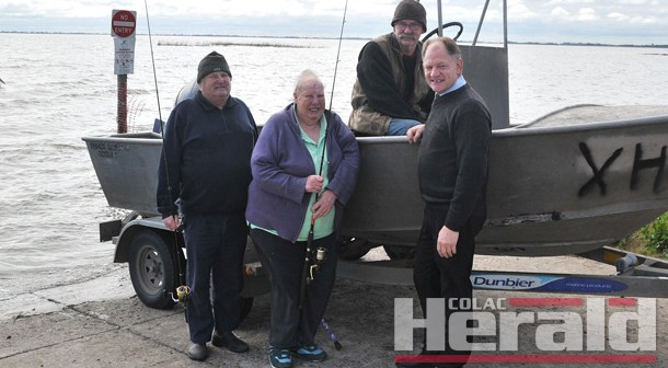 Lake Colac receives 5000 rainbow trout