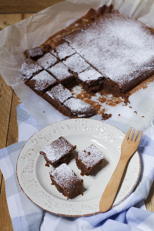 brownies-fondenti-al-cioccolato-e-mandorle_04