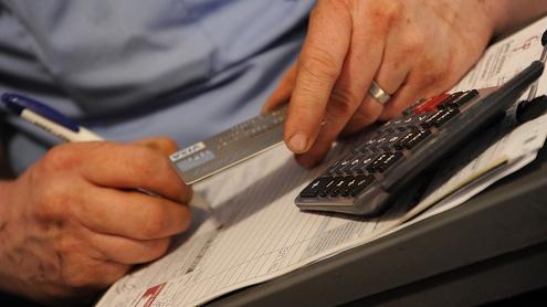 Tarjeta y calculadora por Wonderlane