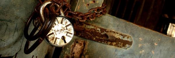 Jaulas y cadenas por seeveeaar
