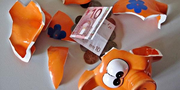 Hucha rota por Images Money