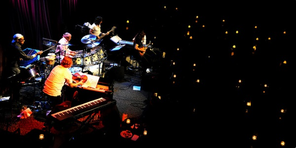 Billy Cobham Band por Andrew Imanaka