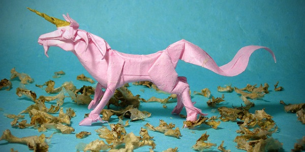 Unicornio por Emre Ayaroglu