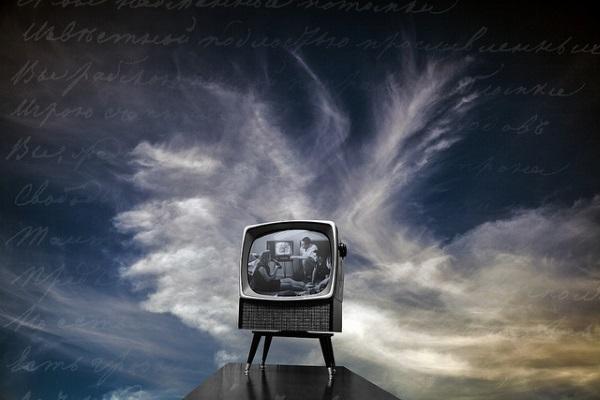 TV por Robert Couse-Baker