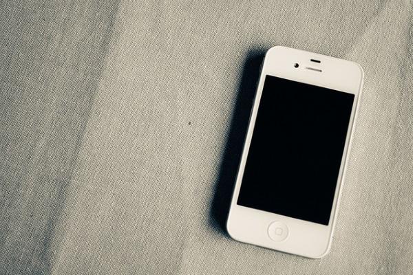 iPhone por Kelly Sikkema