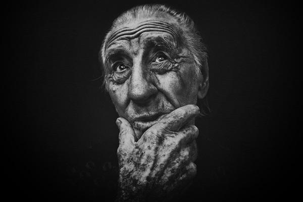 anciano-por-danilo-arenas-ireijo