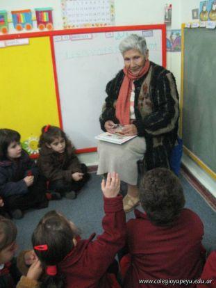 abuelos-lectores-4