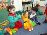 Salas de 3 jugando con Bloques 7