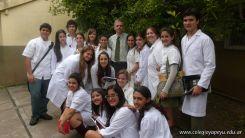 Visita a la catedra de Microbiologia 10
