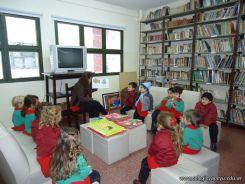 El Jardin leyendo en Biblioteca 44