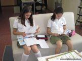 6to grado leyendo en Biblioteca 15