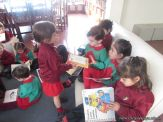 Alumnos de la Seño Carolina en Biblioteca 6