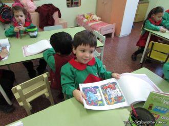 Aprendiendo Ingles en Salas de 5 45