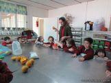 Salas de 4 preparan Jugo de Naranjas 6