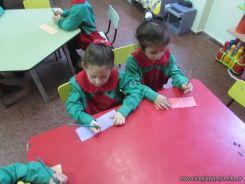 Salas de 4 escriben sus nombres 11