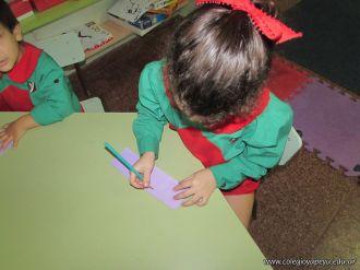 Salas de 4 escriben sus nombres 9