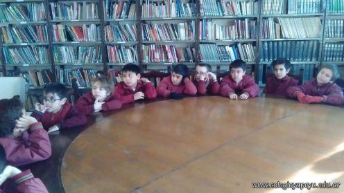 Sexto en biblioteca 12