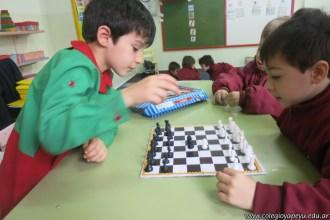 Jugamos al ajedrez 13