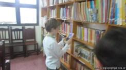 Tercero visita la biblioteca 17