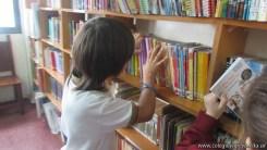 Tercero visita la biblioteca 52