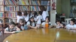 Tercero visita la biblioteca 59