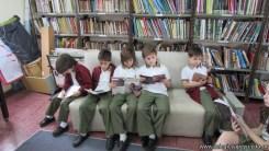 Tercero visita la biblioteca 88