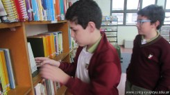 Tercero visita la biblioteca 9